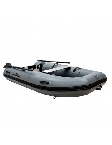 superlätt gummibåt med katamaranskrov.