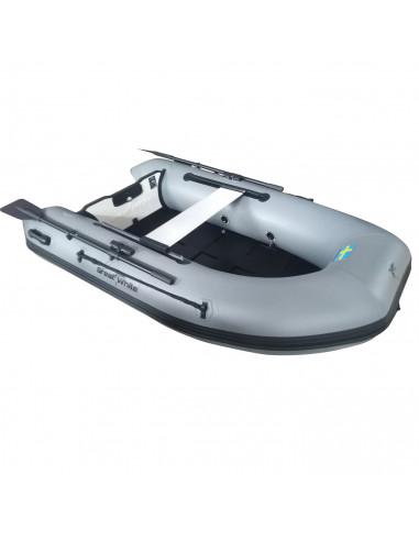 billig gummibåt med akterspegel av glasfiber. 2,5 meter Klarar 10HK